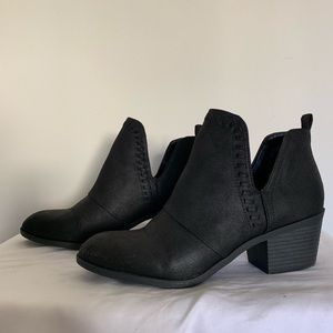 Worn once Low heel cut out ankle booties sz 8.5
